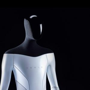 Elon Musk planea fabricar robots humanoides para trabajar en Tesla
