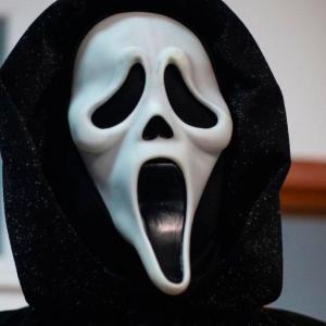 Ghostface intenta hacer de las suyas
